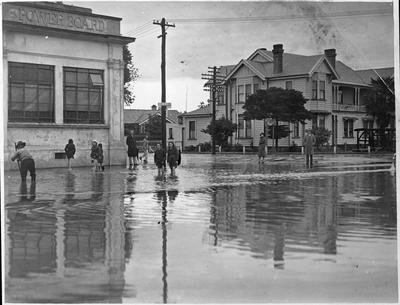 Flooding at intersection of Anglesea and Thackeray Streets