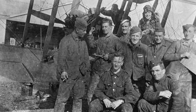 World War 1 - R.F.C. - Am. mechanics and H Graham