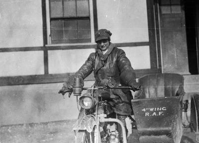World War 1 - R.F.C. - Driver, Sister Braggs