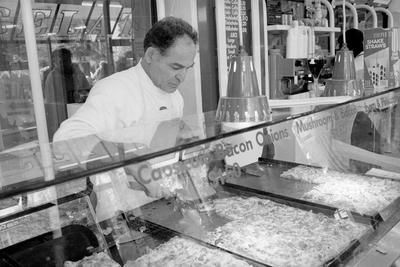 Joe Di Maio's Gelato Arlecchino and Pizzeria in Garden Place