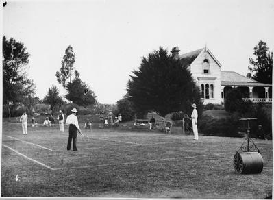 Tennis party at Col Lyons. Hamilton