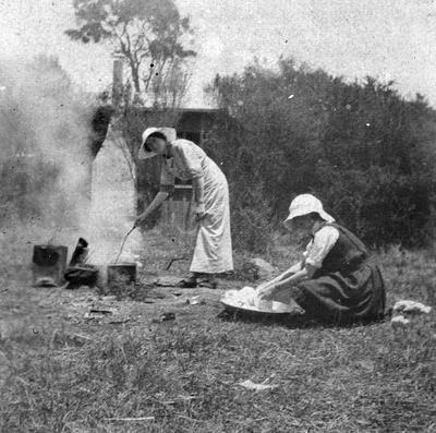 Douglas family: Washing day at Wairuaterangi