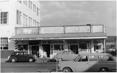 London Street shops