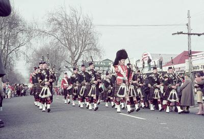 Pipe band in centennial parade