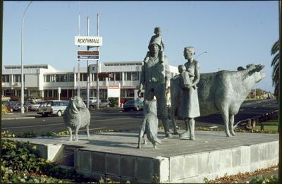 Family farming statue