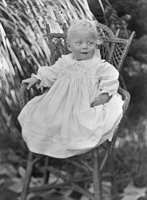 Portrait photo of R.G. Buckleton when infant