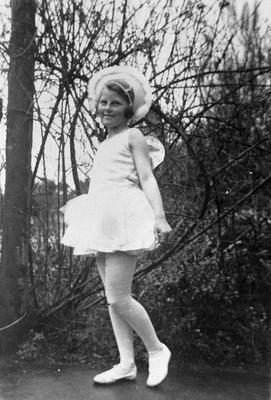 Barbara Graham in dancing costume aged 6-8 years