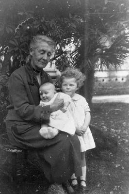 Mrs Alice Graham and children
