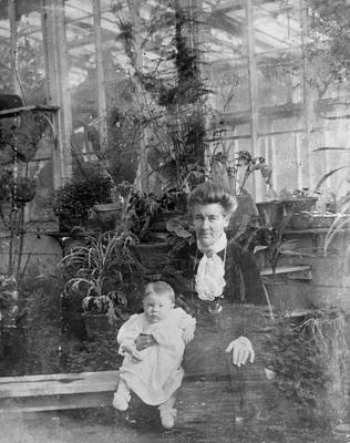 Mrs Alice and Dorothy Graham