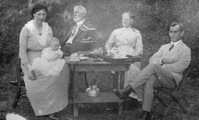 K.M. Graham and family with the Dorsets