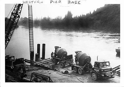 Western pier base for Cobham Bridge