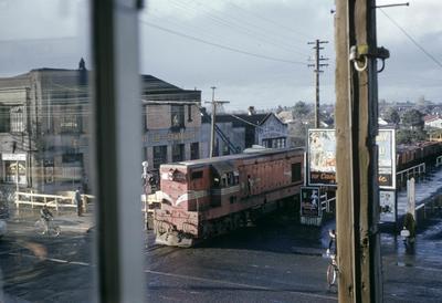 A NZR diesel locomotive crosses Victoria Street
