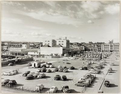 Hamilton central carpark and Garden Place c. 1958