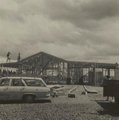 Construction of entrance lodge cafe