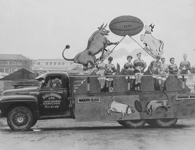 Ellis and Burnand float at Mooloos Parade 1957