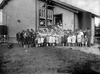 School photo: Karapiro School 1921