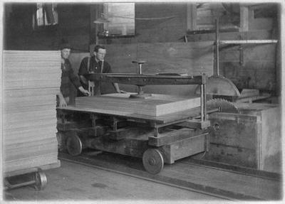 Ellis and Burnand plywood factory, Manunui