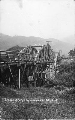 Broken bridge at Ngaruawahia