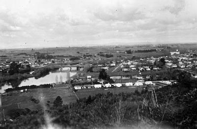 View of Ngaruawahia from Hakarimata Range