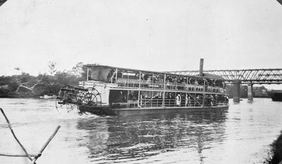 Paddle steamer Manuwai
