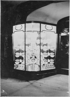 McKenzies Store Front - Victoria Street, Hamilton