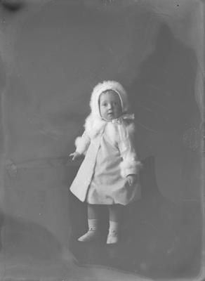 Small girl - Mansel