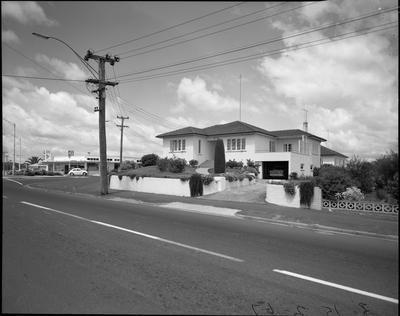 Te Rapa Road & Forest Lake Road corner