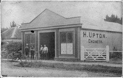 H Upton - Engineer