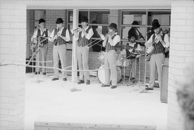 The Georgian Jazz Gentlemen play at the Waikato Museum opening