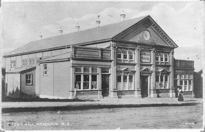 """""""Town Hall, Hamilton N.Z."""""""