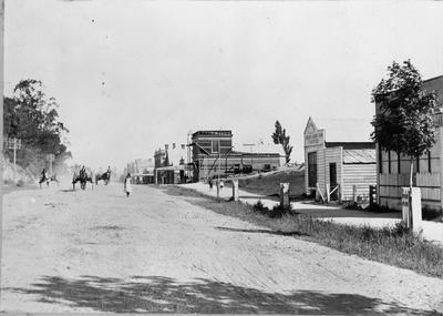 Victoria Street and Garden Place hill in 1902