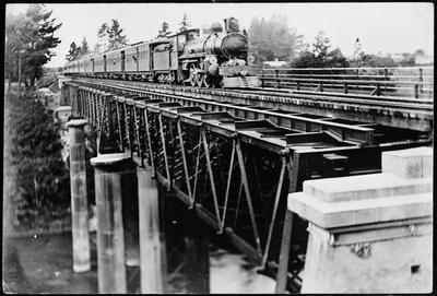 Train crossing the original Railway Bridge