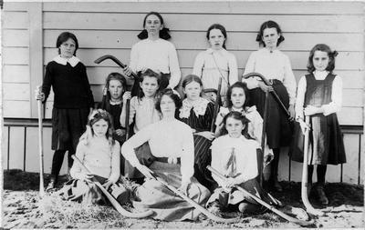 Frankton School's girls hockey team