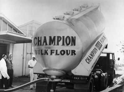 Flour delivery to Findlays Bakery in Frankton