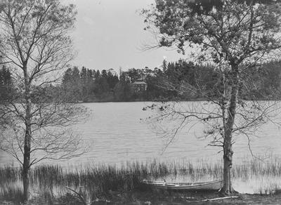 Lake House viewed the west