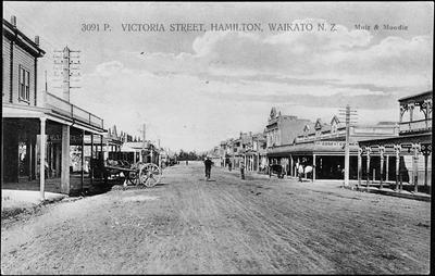 Victoria Street, Hamilton, Waikato N.Z.'