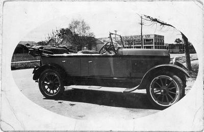 S. T. Nolan's Commonwealth car