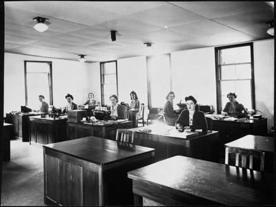 CAC office staff - Hamilton WWII