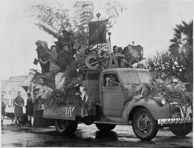 CAC VJ Day parade - Hamilton WWII