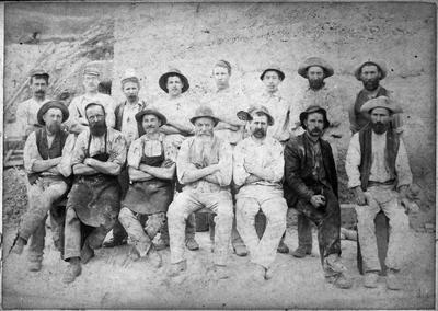 Group of workers - construction of Hamilton Railway Bridge