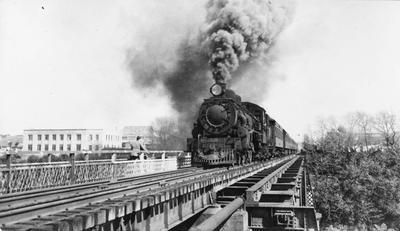 Taneatua Express crossing Railway Bridge