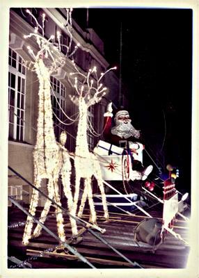 H. & J. Court Christmas display, 1962