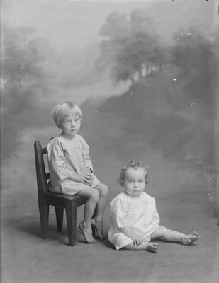 Small boy and baby - Phillips