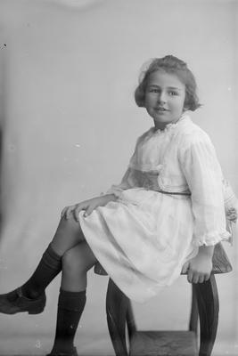 Portrait of girl - Gilfillan
