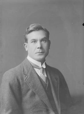 Portrait of man - Partington