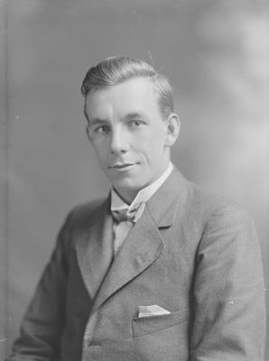 Portrait of man - Pascoe