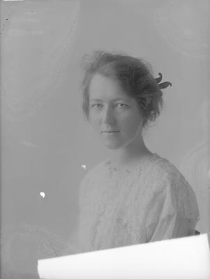 Portrait of woman - Peace
