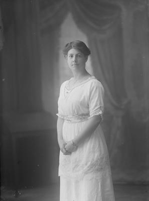 Portrait of a woman - Roche