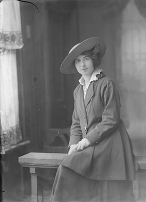 Portrait of woman - McKenzie