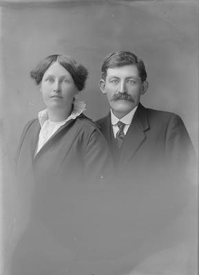 Portrait of man and woman - McKinna